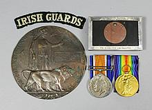 A pair of George V First World War medals to