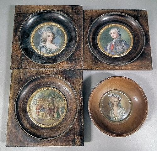 A pair of miniature paintings - Circular portraits