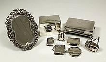 A George V silver rectangular trinket box with