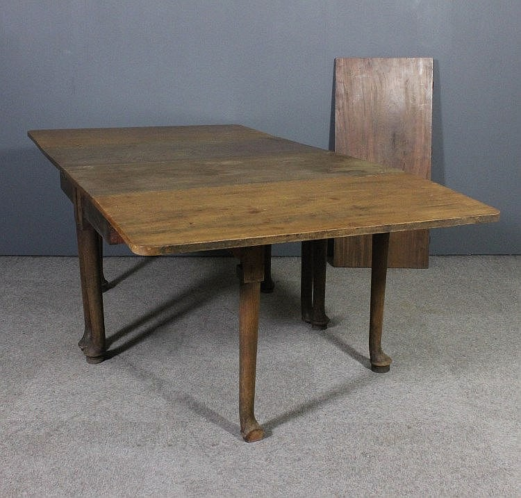 An 18th Century mahogany rectangular dining table : H0298 L84850112 from www.invaluable.co.uk size 750 x 717 jpeg 126kB