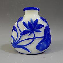 ANTIQUE CHINESE PEKING GLASS SNUFF BOTTLE - 19TH CENTURY