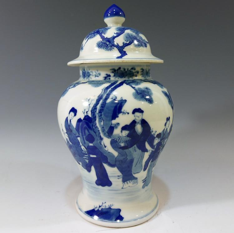 CHINESE ANTIQUE BLUE WHITE PORCELAIN COVER VASE - KANGXI