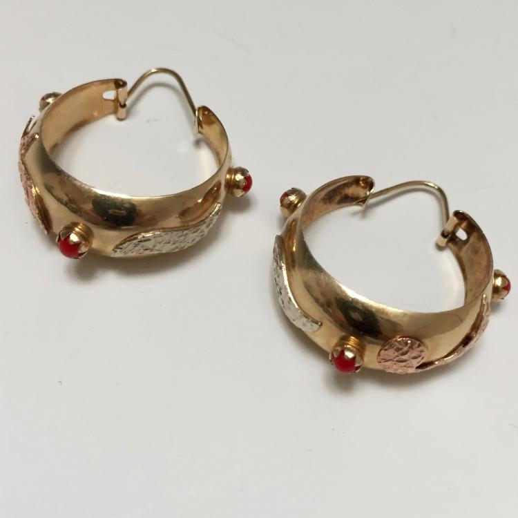 18K GOLD CORAL EARRING