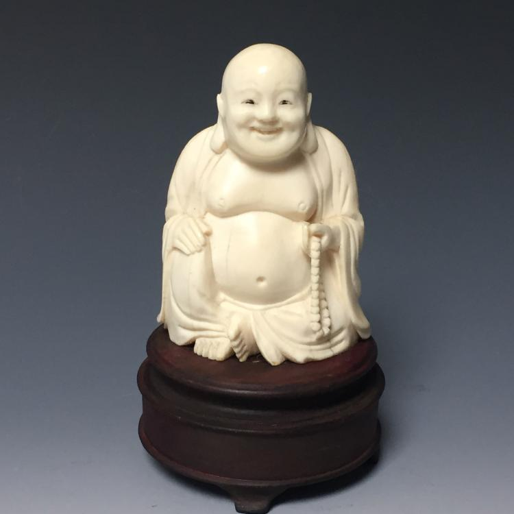 CHINESE ANTIQUE FIGURE OF A HAPPY BUDDHA