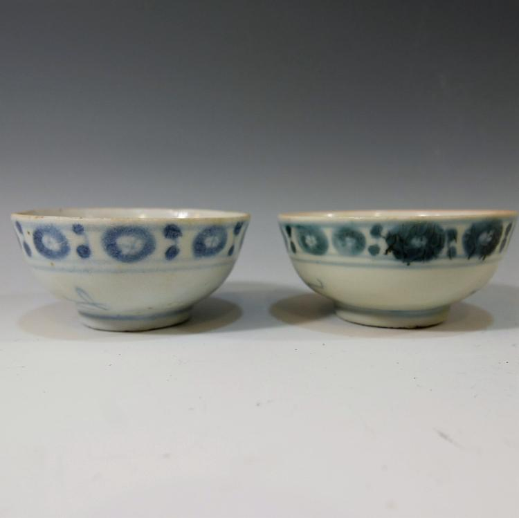 2 CHINESE ANTIQUE BLUE WHITE PORCELAIN CUP - KANGXI