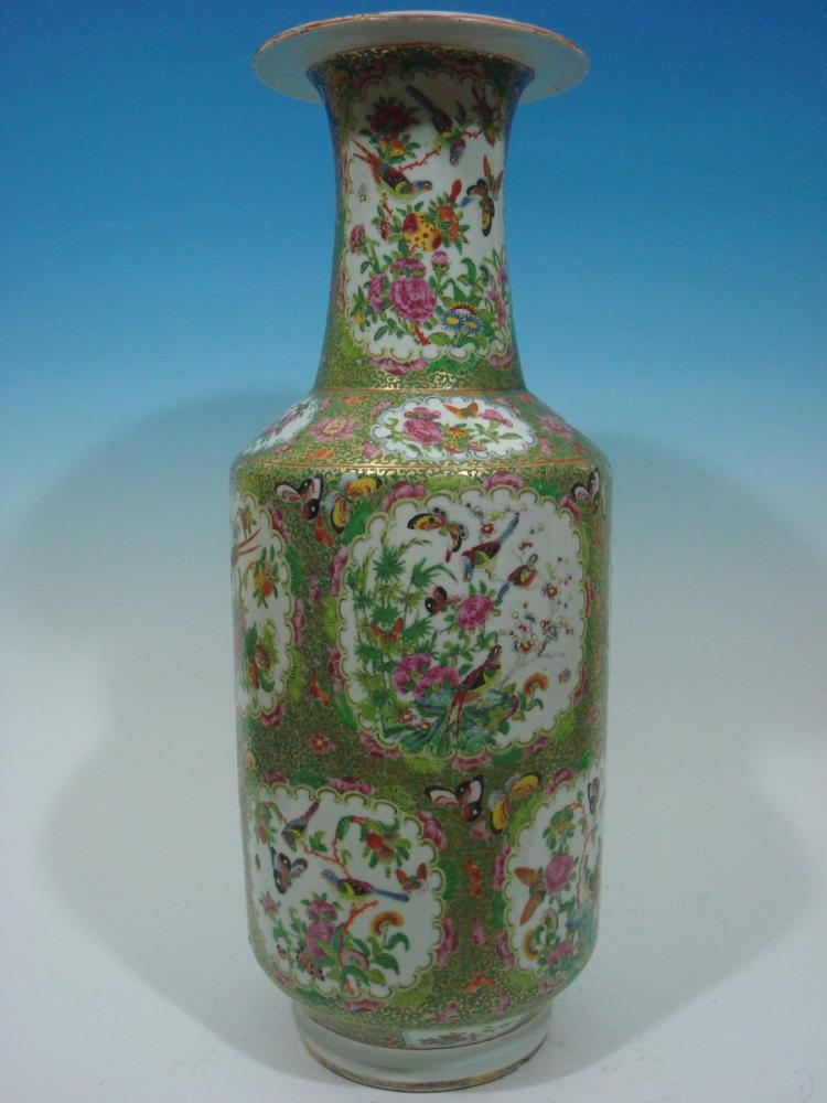 ANTIQUE Large Chinese Rose Medallion Vase, 24