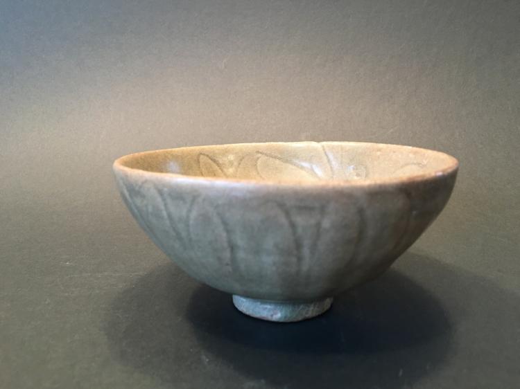 ANTIQUE Chinese Longquan Celadon Bowl, Yuan-Ming period
