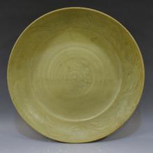 HUGE ANTIQUE CHINESE LONGQUAN CELADON PORCELAIN CHARGER - 14TH CENTURY