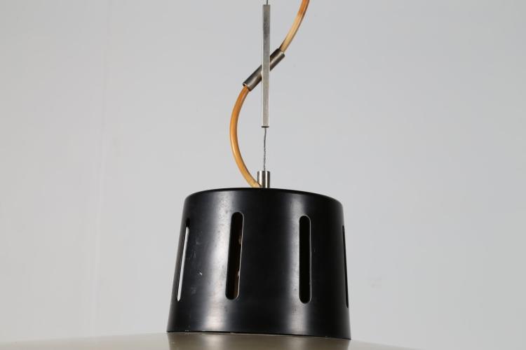 STILNOVO Lampada a sospensione in metallo laccato e perspex,