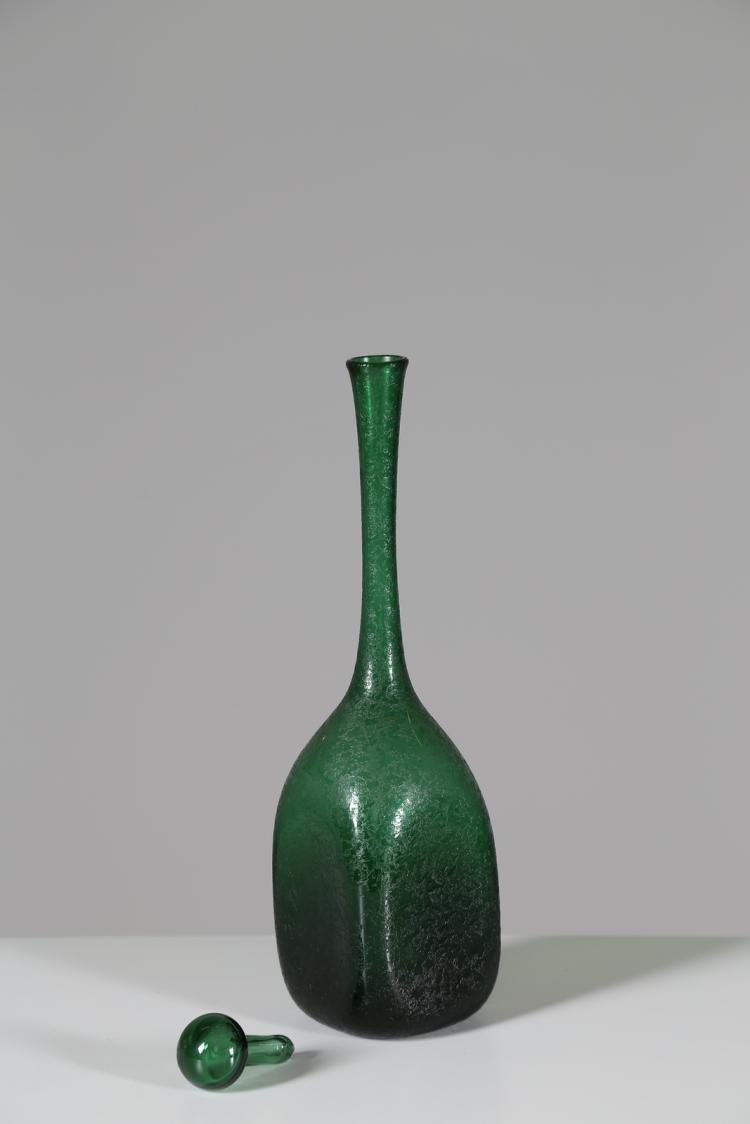 Bottiglia in vetro verde corroso, Murano anni 50