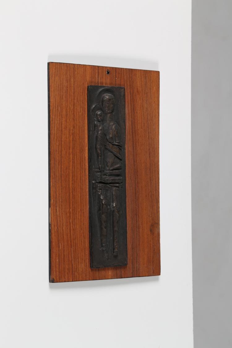 Madonna con bambino, fusione in bronzo su legno, Padova 1965