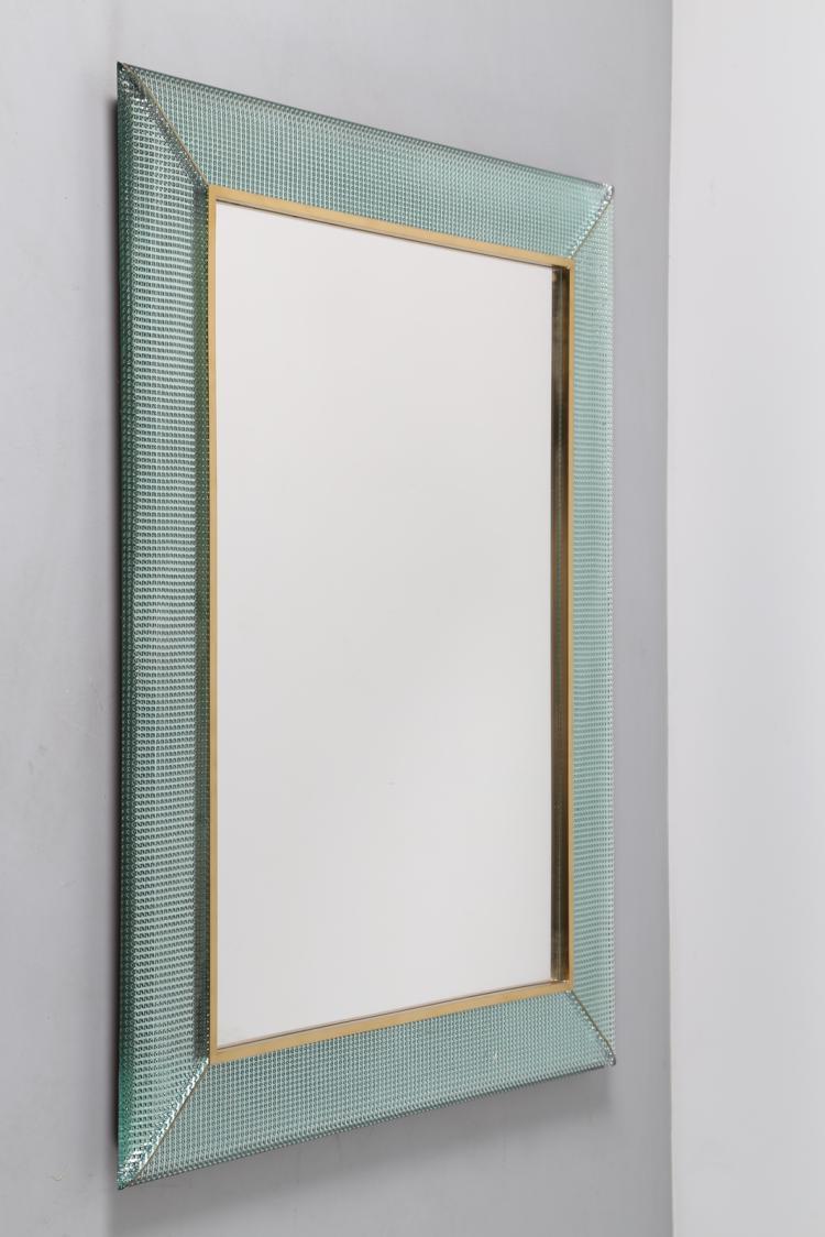 Specchio in vetro massello diamantato, dettagli in ottone, anni 70