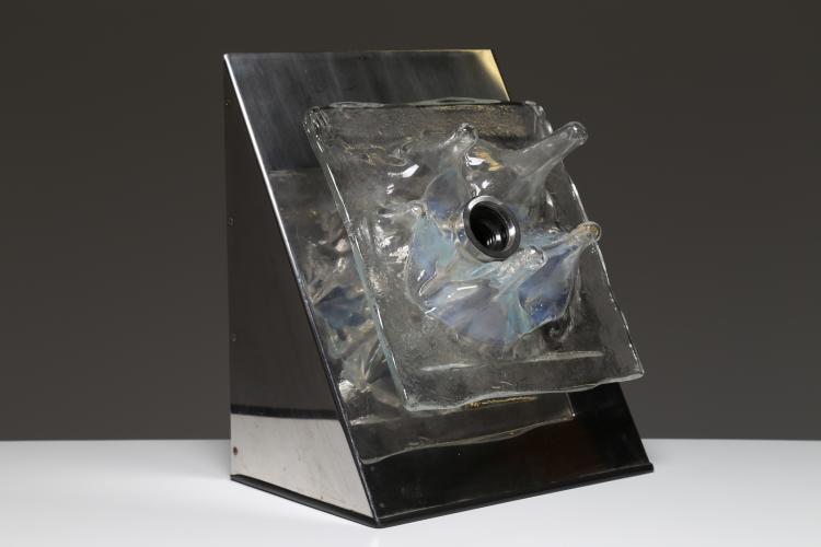 Lampada da tavolo in metallo cromato e vetro, anni 70