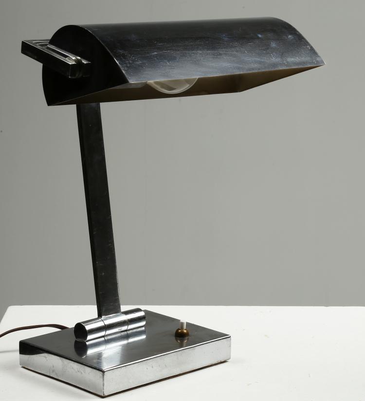 Lampada da tavolo in metallo cromato anni 60