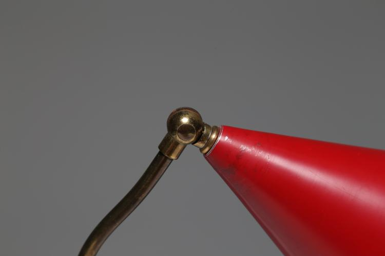 Lampada da tavolo in ottone e metallo laccato, anni 50