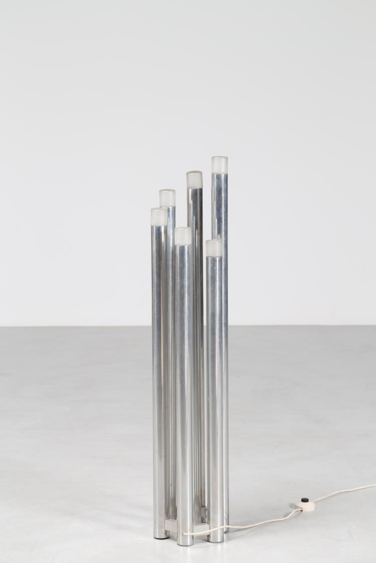 Lampada da terra in metallo cromato e vetro satinato anni 70°