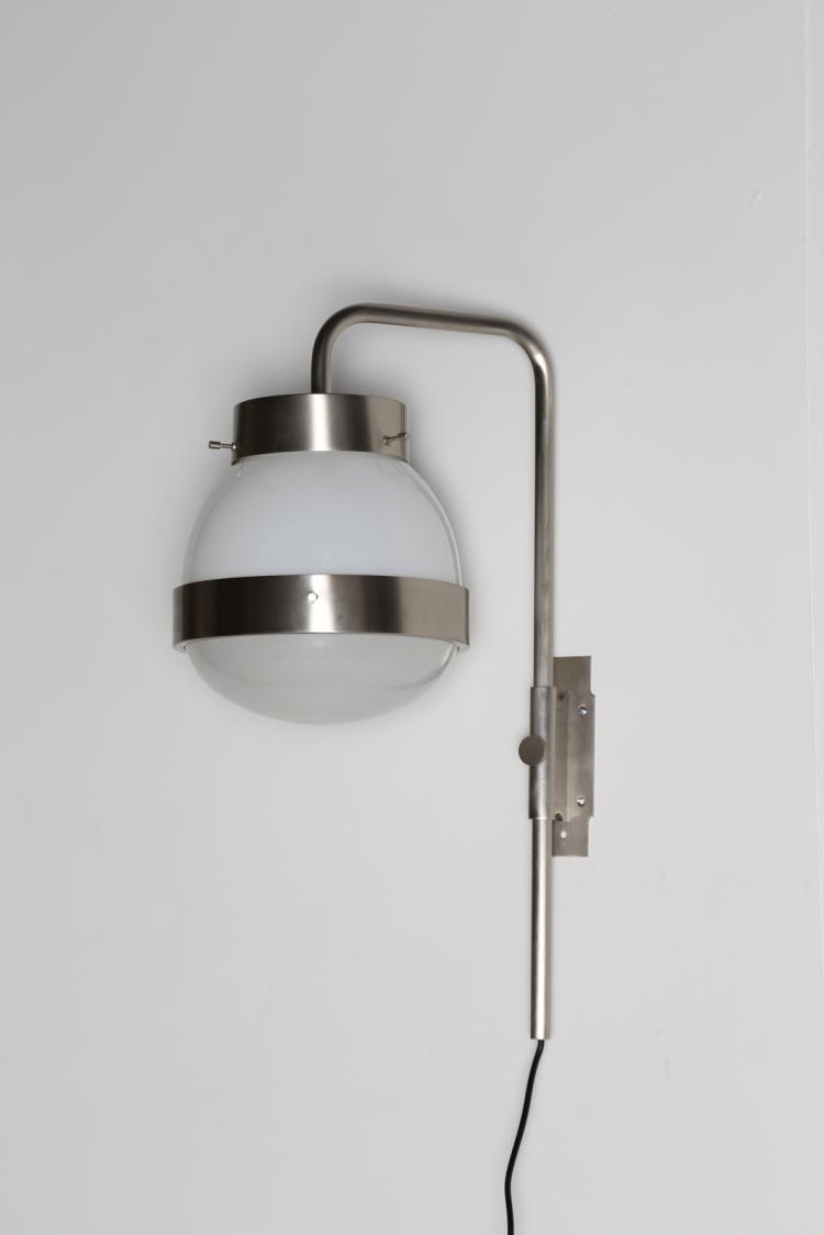 Applique in acciaio satinato e vetro opalino, mod. Delta, per Artemide, anni 60