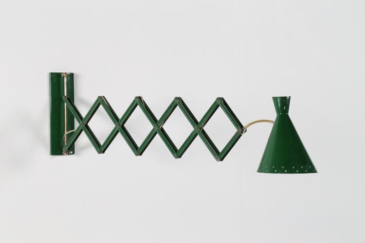 Lampada da muro estensibile in metallo laccato e ottone, anni 50