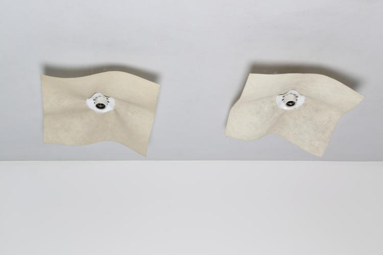 Coppia di lampade da parete o soffitto in ceramica plastica e cocoon mod. AREA,  prod. ARTEMIDE anni 70