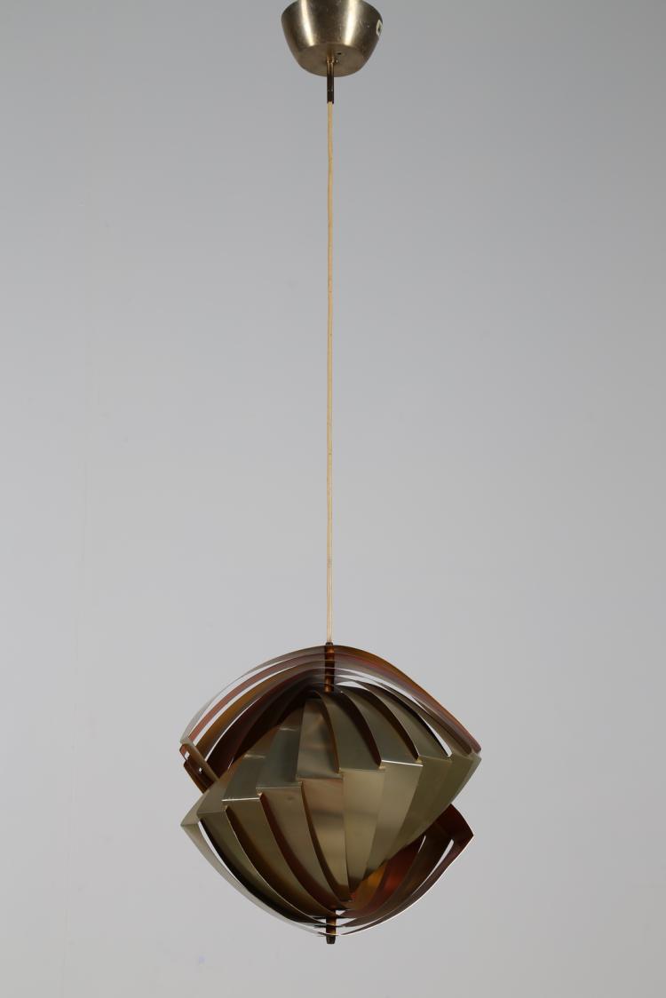 Rara lampada a sospensione in lamelle di alluminio laccato e ottonato, per Lyfa, Danimarca anni 60