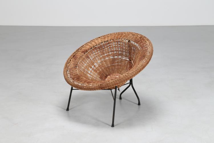 Poltroncina in tondino di ferro e rattan, mod. cesta, anni 60