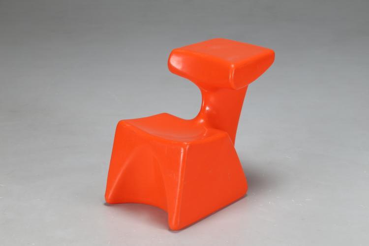 Seggiolina in plastica arancione, COLANI ZOCKER per Top System, anni 70