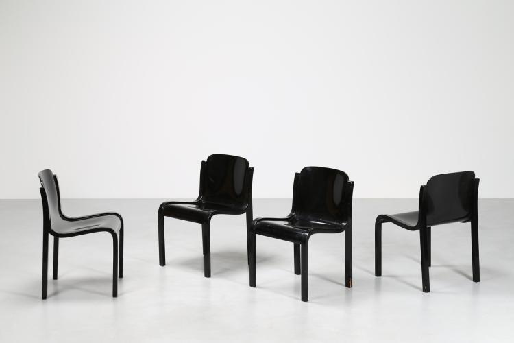 Quattro sedie mod. Mito con struttura in faggio, scocca realizzata in un unico foglio di compensato curvato e laccato nero a poro aperto, produzione T70, anni 60