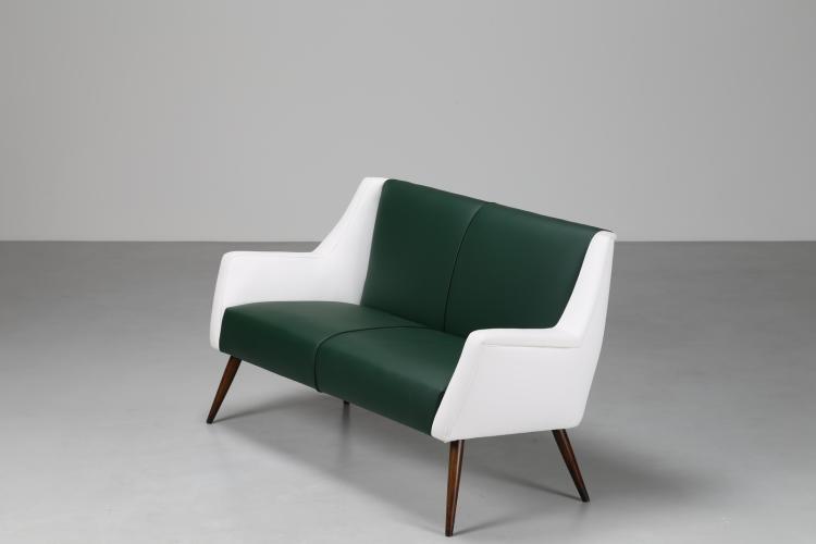 Divanetto due sedute in legno e sky, per Cassina anni 50