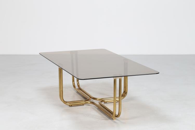 Tavolino rettangolare in ottone con piano in cristallo fumè, anni 70