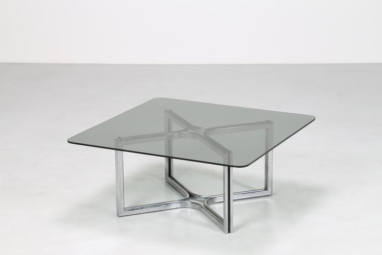 Tavolino da salotto in metallo cromato e piano in cristallo, per Thema, anni 70