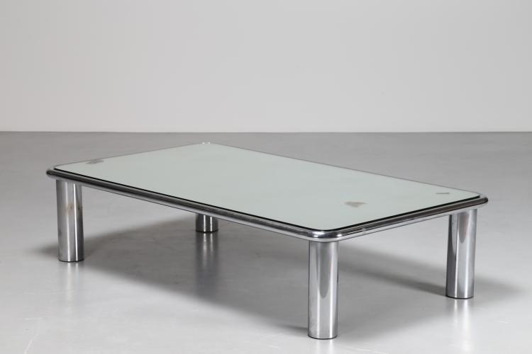 Tavolino da caffe' in acciaio cromato con piano in vetro specchiato, per Cassina, anni 70