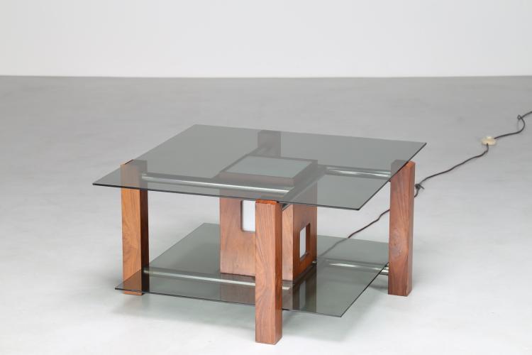 Tavolino da caffè con lampada, in noce acciaio cromato vetro satinato e piano in cristallo, anni 70