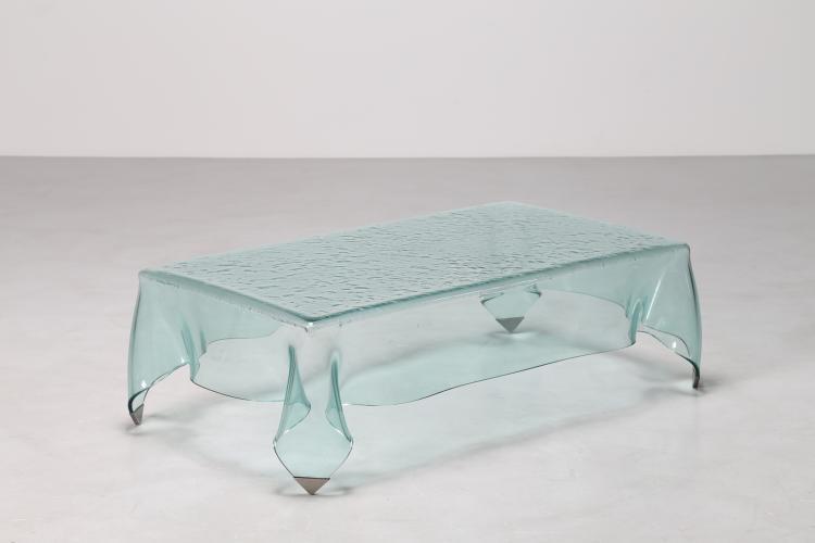 Tavolino fazzoletto in cristallo con puntali in ottone, tanni 80