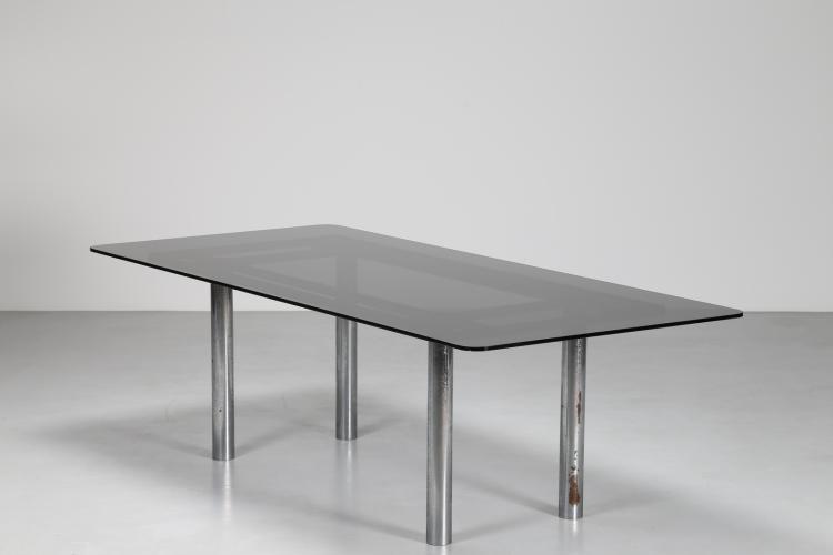 Tavolo con base in metallo cromato e piano in vetro mod. Andrè per Gavina, anni 60
