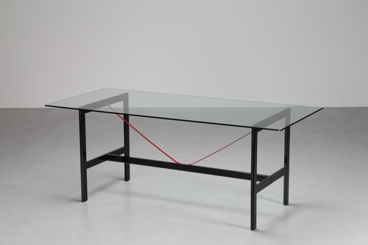 Attrib. Tavolo in metallo laccato e piano in cristallo, anni 80