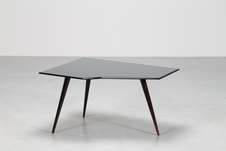 Tavolino in legno laccato nero e piano in cristallo bisellato, anni 50