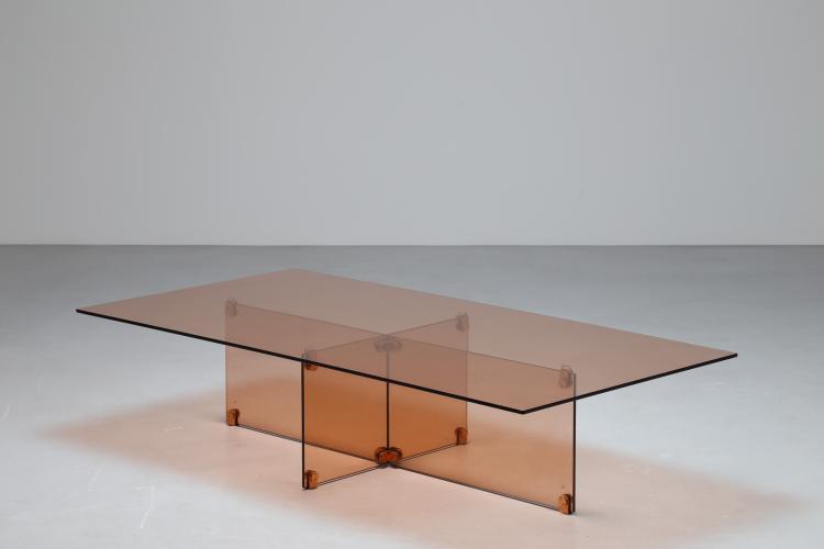 Alla maniera di, tavolo in vetro e ottone, 1960.