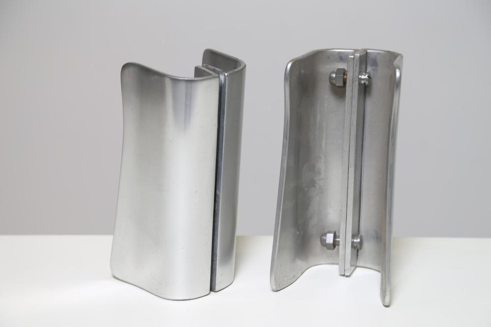 ITALIAN MANUFACTURE Pair of handles