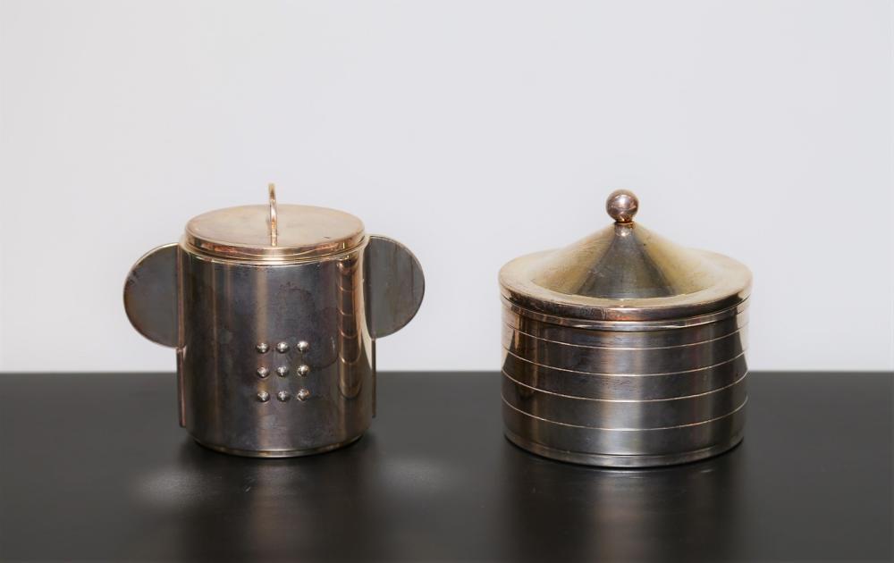 MUNARI CLETO Pair of sugar bowls