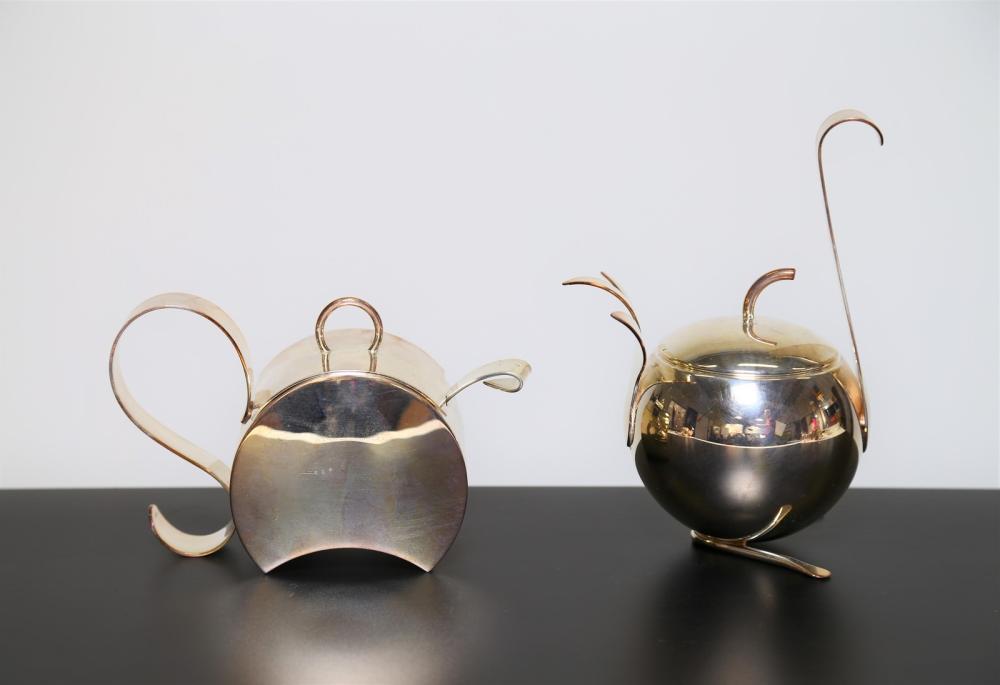 MUNARI CLETO Pair of silver animal sugar bowls