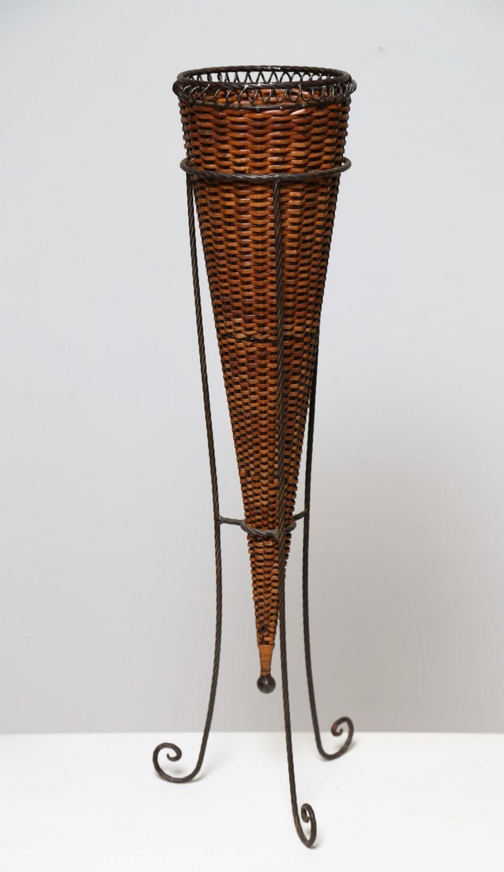 ITALIAN MANUFACTURE Vases