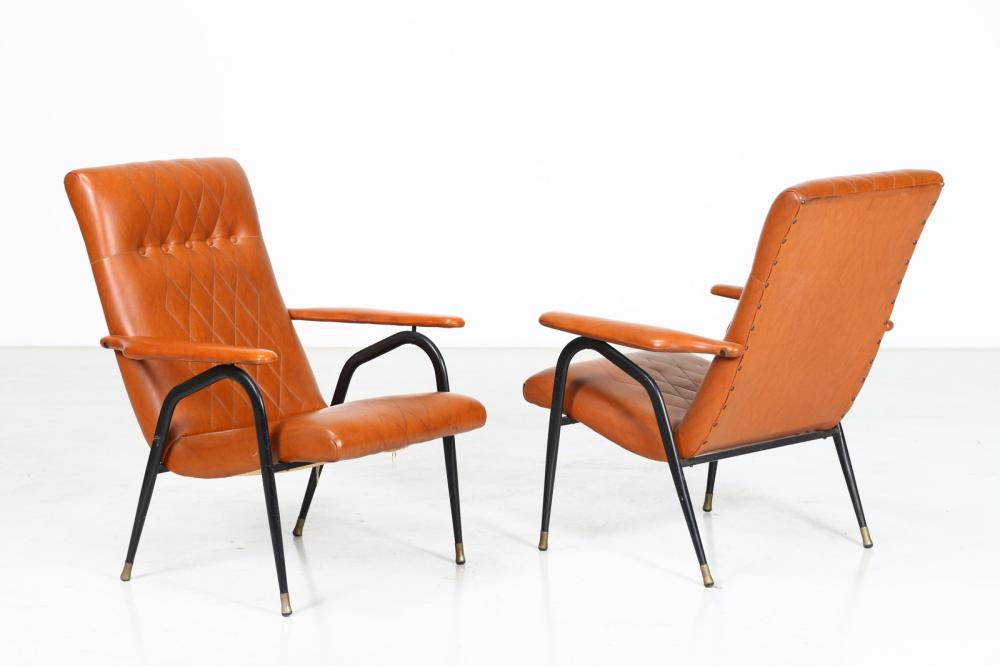 ITALIAN MANUFACTURE Pair of armchairs