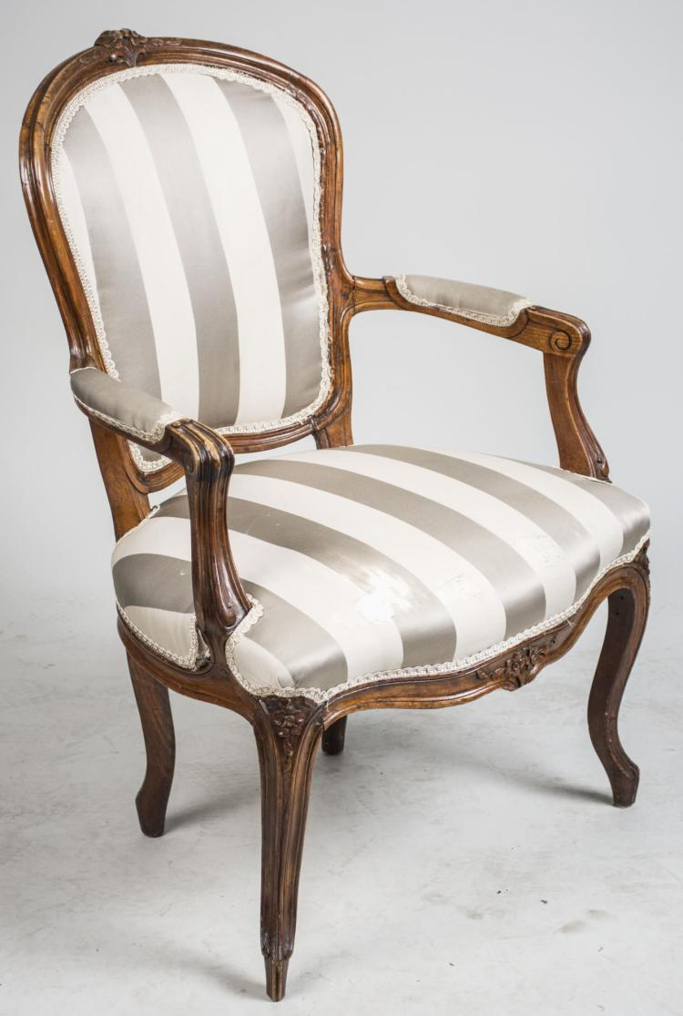 Louis xv style fauteuil - Mobilier style louis xv ...