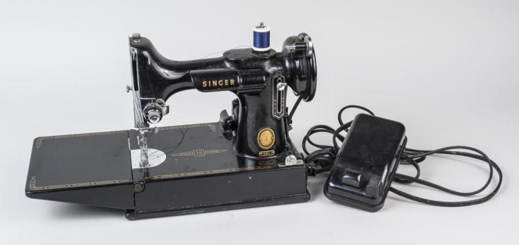 singer vintage portable sewing machine