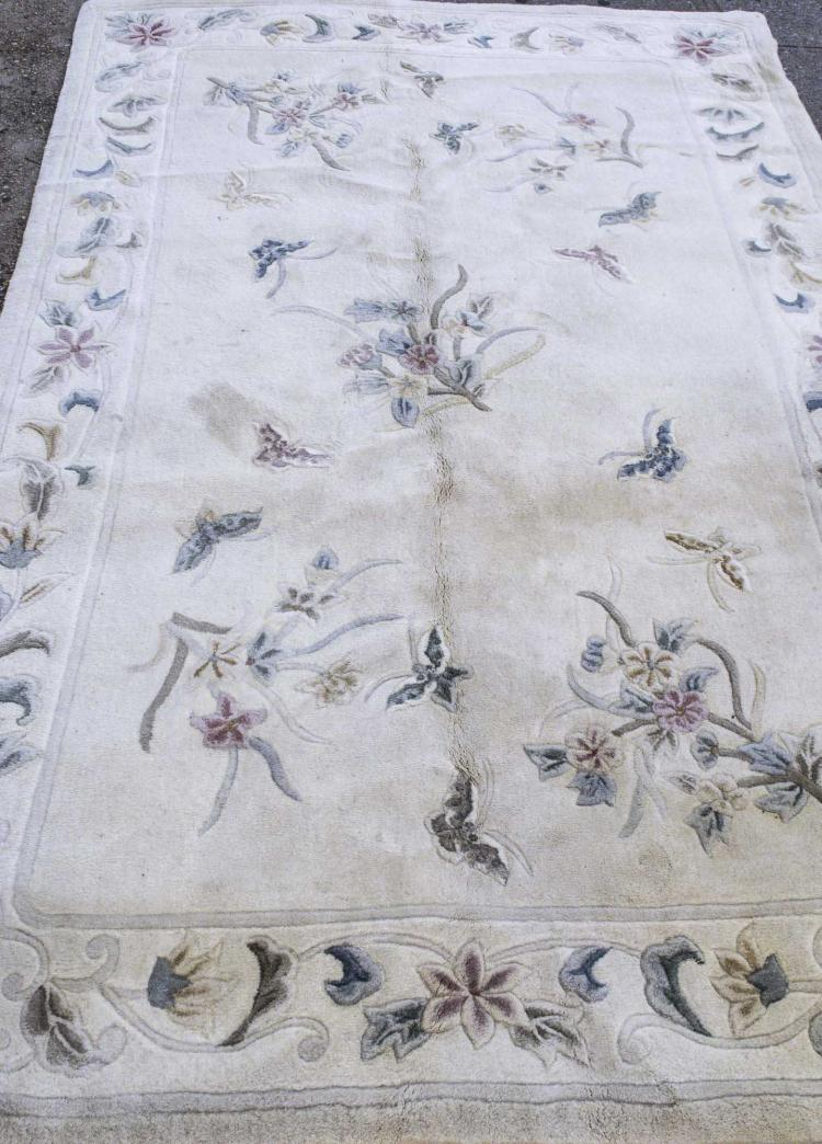 Hand-tufted (Machine-made) Rug of Chinese Design