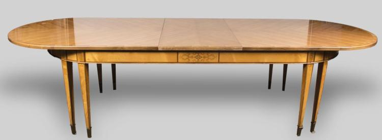 Blond Wood Dining Table : H4487 L118810505 from www.invaluable.co.uk size 750 x 276 jpeg 17kB