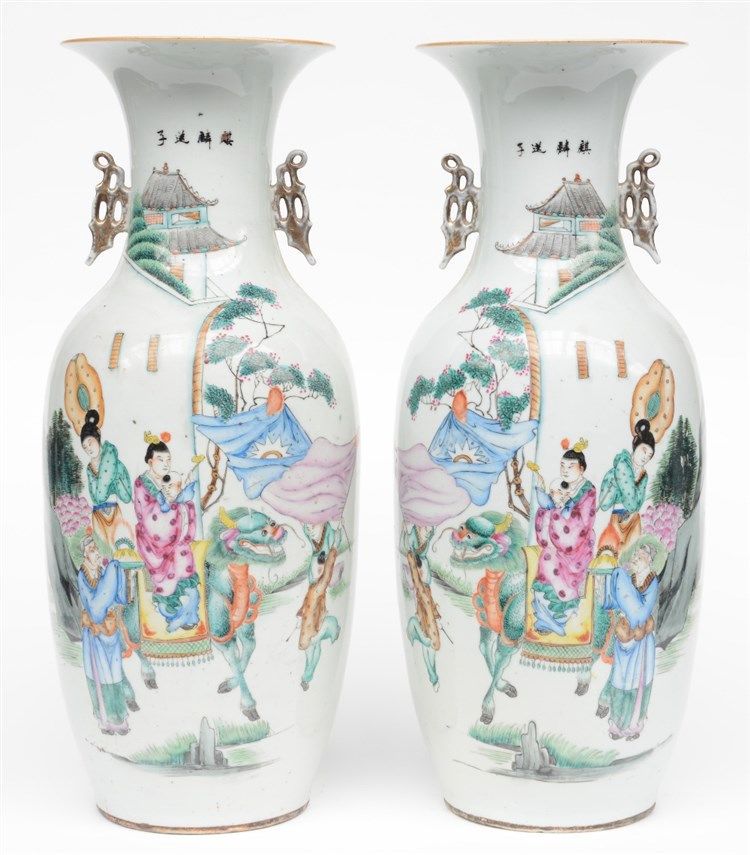 A pair of Chinese polychrome vases, depicting an animated scene, 19th C, H