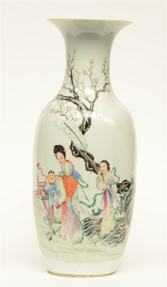 A Chinese famille rose vase, overall decorated with an animated scene, H 58