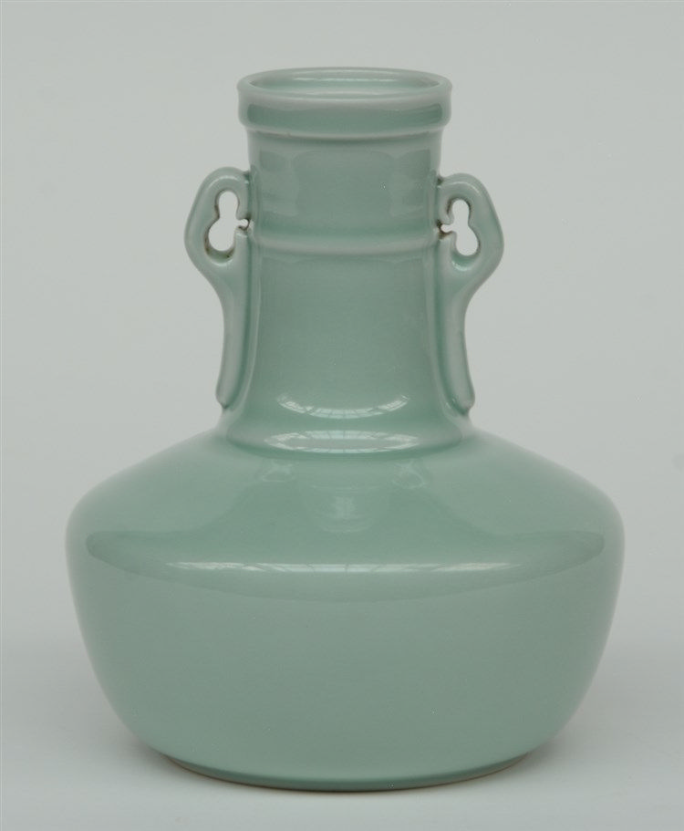 A Chinese celadon vase, marked Yongzheng, H 19 cm