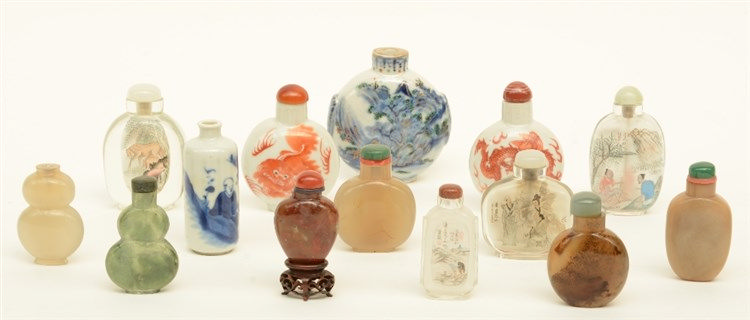 A lot of fourteen 19thC and 20thC snuff bottles, H 6 - 8,5 cm